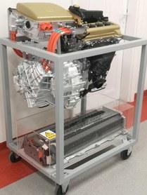 Model układu napędowego pojazdu hybrydowego