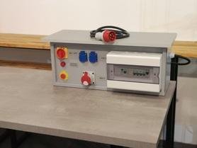 Stół elektrotechniczny laboratoryjny